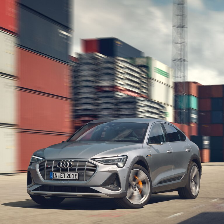 Nuova Audi e-tron Sportback front m2